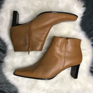Brown Bass ankle boots heeled booties leather